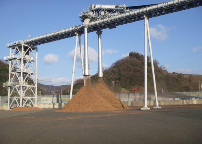 敦賀発電所向け 木質バイオマスチップ搬送用トリッパ式ベルトコンベヤ画像